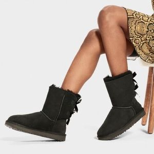 NIB! UGG Bailey Bow Boots with Corduroy Bows